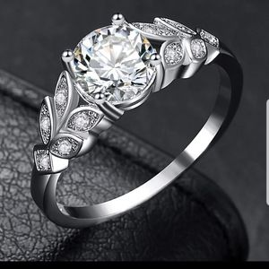 New sterling silver stamped leaf style CZ ring